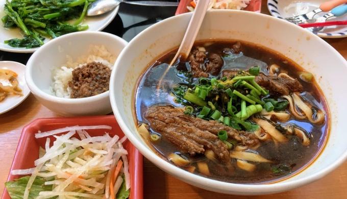台湾担仔麺_牛肉麺